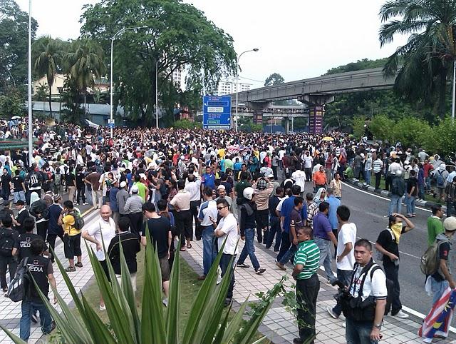 http://profhariz.com/wp-content/uploads/2011/07/Gambar-Bersih-2.0-1-a.jpg