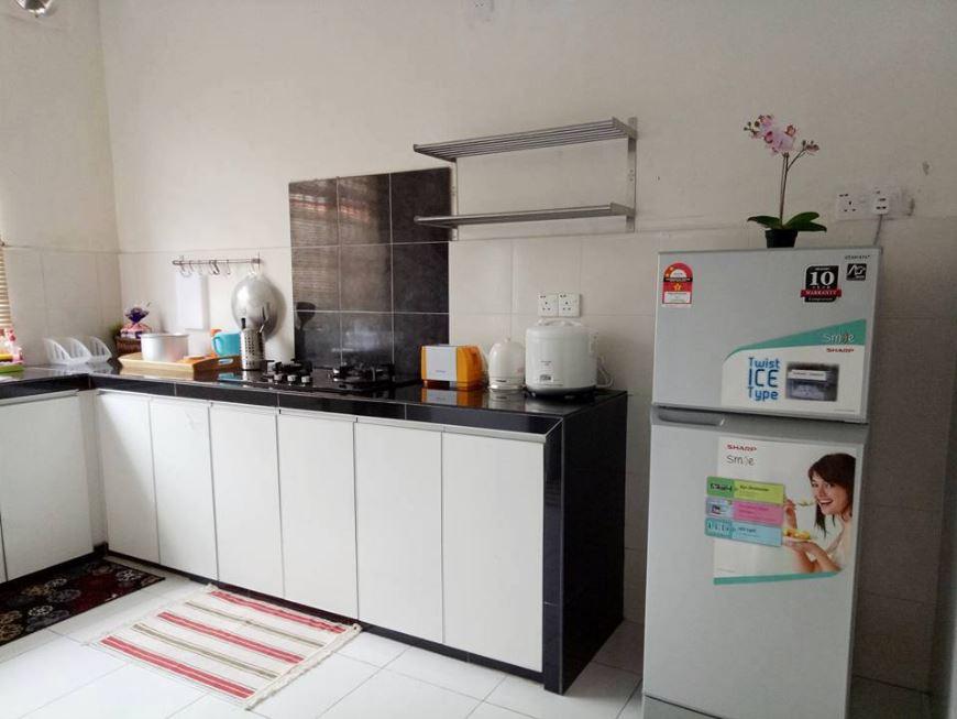 Dapur Homestay Murah di Pulau Pinang