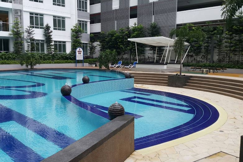 homestay murah di jb swimming pool