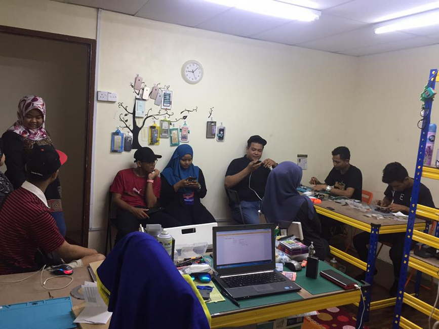 Repair iPhone di iPro Cheras
