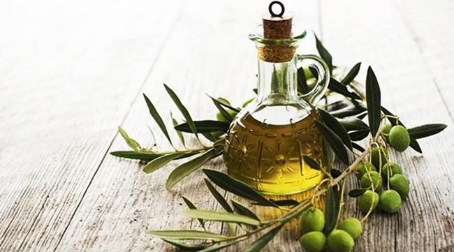 Kekal Awet Muda tea-tree-oil merawat kulit