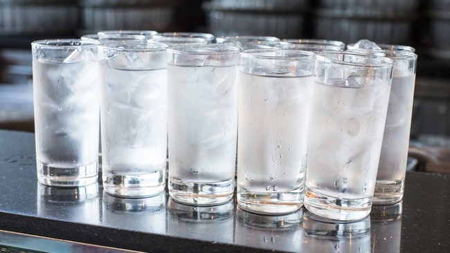 minum-air-untuk-cepat-kurus