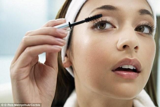 pemakaian-make-up-yang-betul