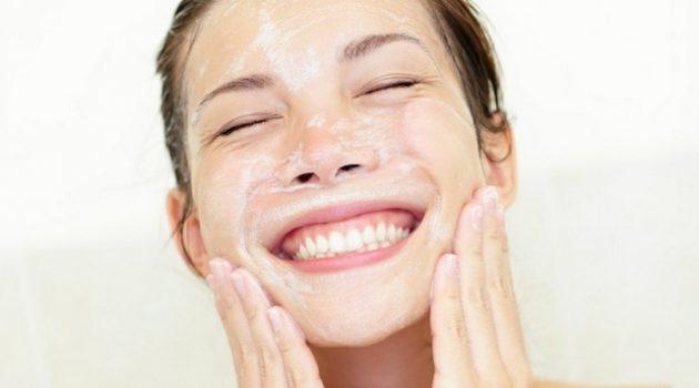 pilih pembersih muka yang sesuai kulit