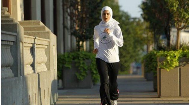 wanita-muslimah-bersukan