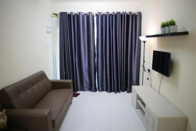 living-room-at-arau-idaman-homestay-1