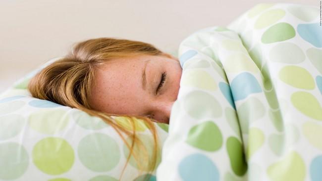 tidur-tips-kulit-sihat