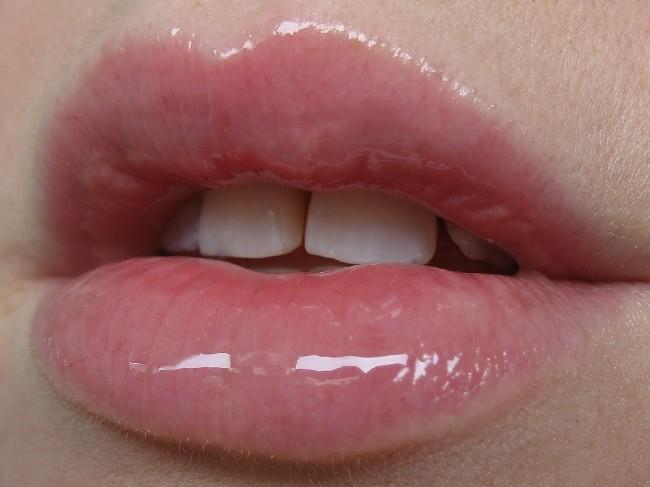 bibir-lebih-segar