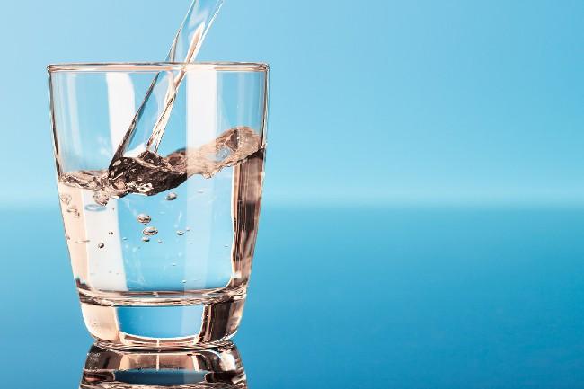minum-air-sebanyak-yang-boleh