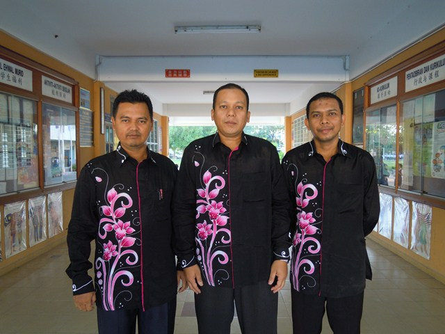 pakaian-batik-oleh-penjawat-awam