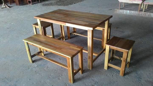 Dining Table With 2 Benchs + 2 Stools