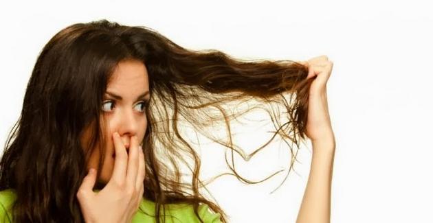 cara mengatasi masalah bau rambut