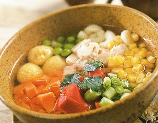 makan sup panas untuk keluarkan angin dalam badan
