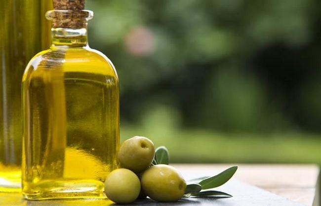 minyak zaitun cara hilangkan jerawat dan kulit kering