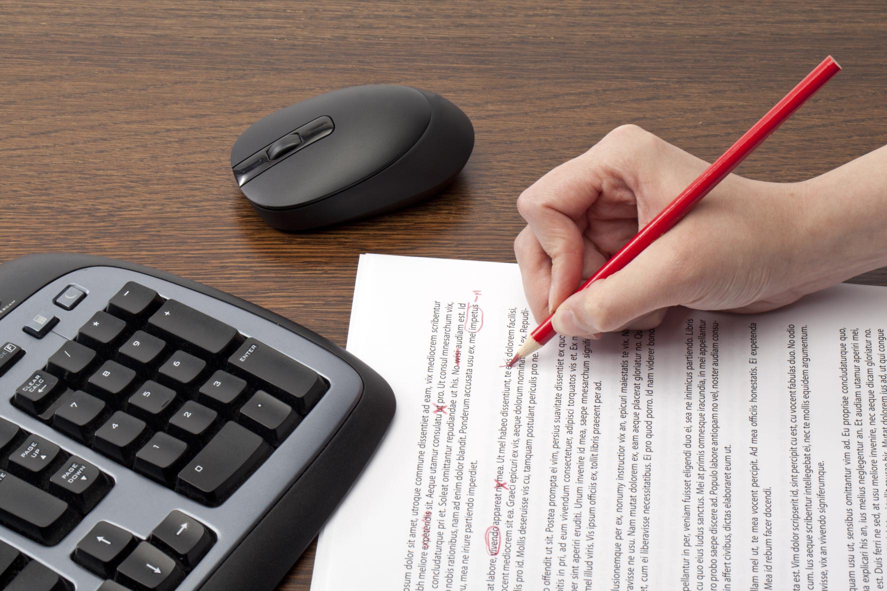 perbezaan-editing-dan-proofreading-tesis