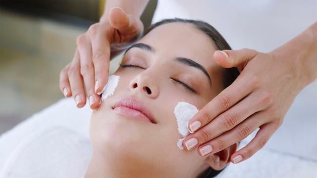 Buat rawatan kulit Untuk Wajah Kelihatan Lebih Muda