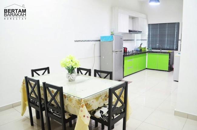 ruang makan homestay bertam