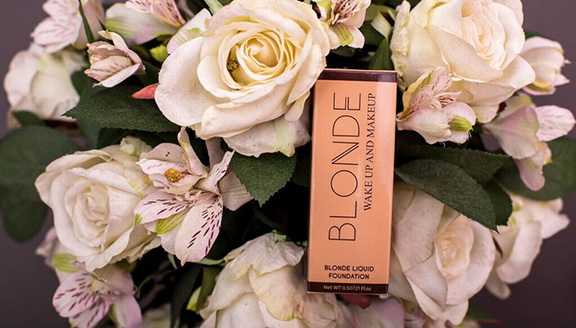 keistimewaan blinq liquid foundation