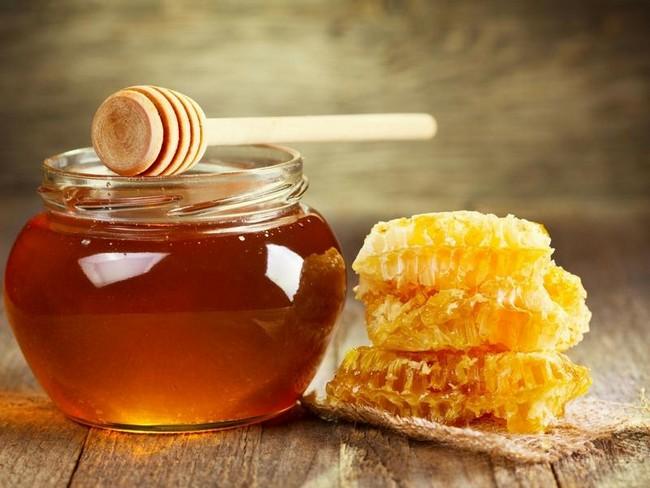cara-hilangkan-kulit-kasar-dan-hitam-di-muka-dengan madu