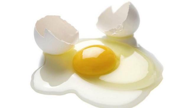cara-hilangkan-kulit-kasar-dan-hitam-di-muka-dengan-putih telur