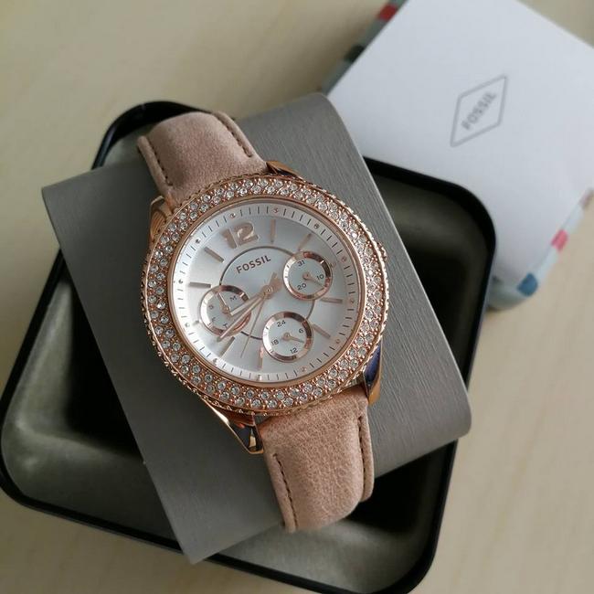 contoh koleksi jam tangan fossil