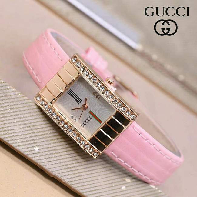 contoh koleksi jam tangan gucci