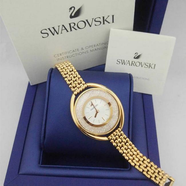 contoh koleksi jam tangan svarovski