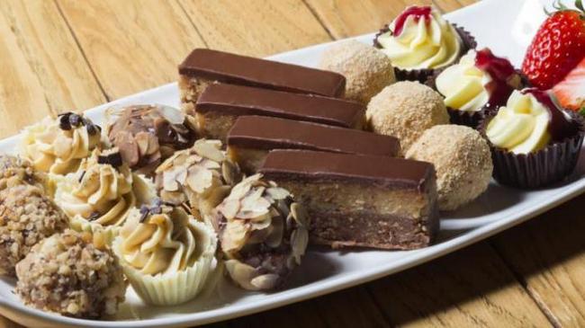 elakkan makanan bergula untuk mengatasi sengugut dan cyst