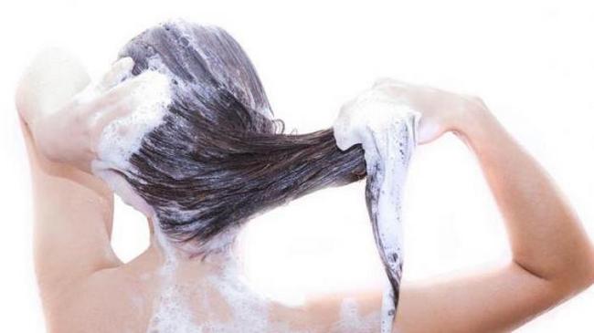 kerap mencuci rambut akan menyebabkan kerosakan juga pada rambut