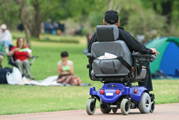 kerusi roda murah yang mudah digunakan tanpa bantuan