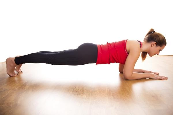 senaman push up pectoral atau plank untuk kuatkan otot payudara