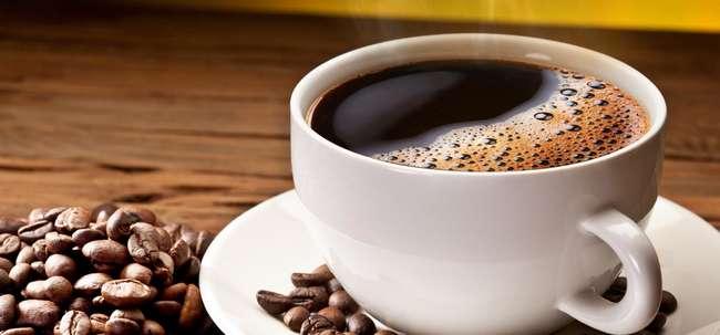 elak minum caffein Cara Mengatasi Kulit Wajah Berminyak