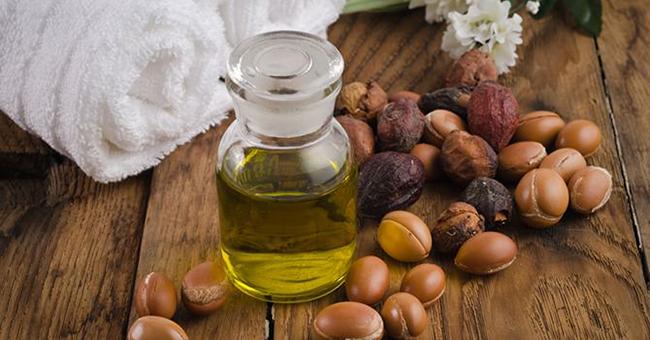 cara suburkan kulit menjadi anjal, cerah dan putih dengan minyak argan
