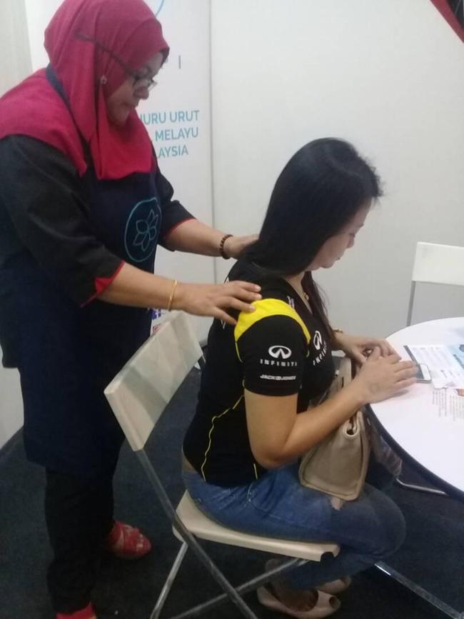 Sitting Corporate Massage in Kuala Lumpur