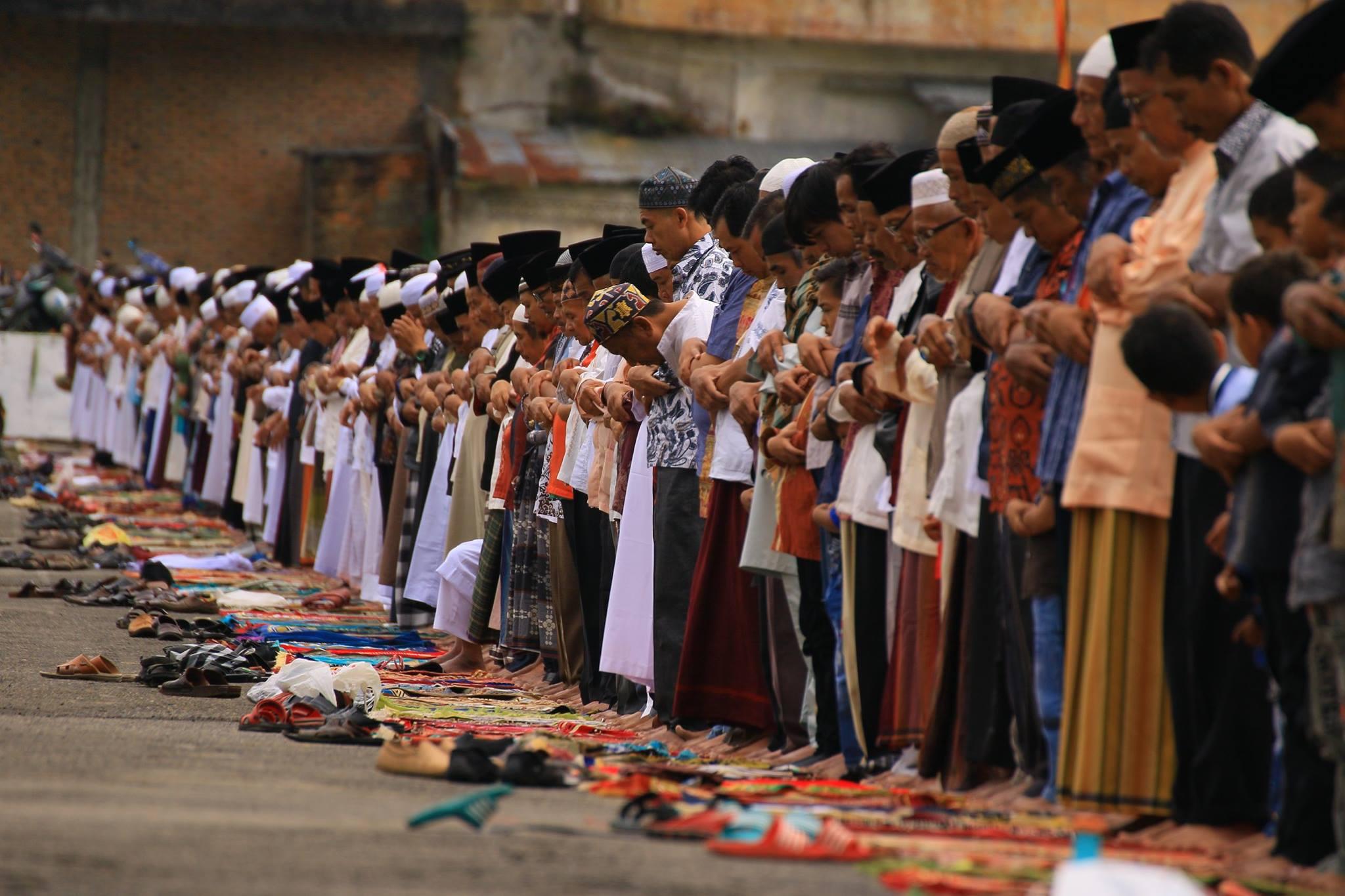 Bacaan Doa Iftitah Dalam Bahasa Arab