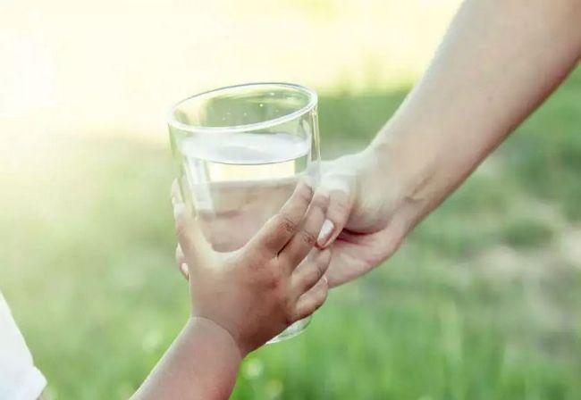 minum air masak tips untuk kulit lebih anjal