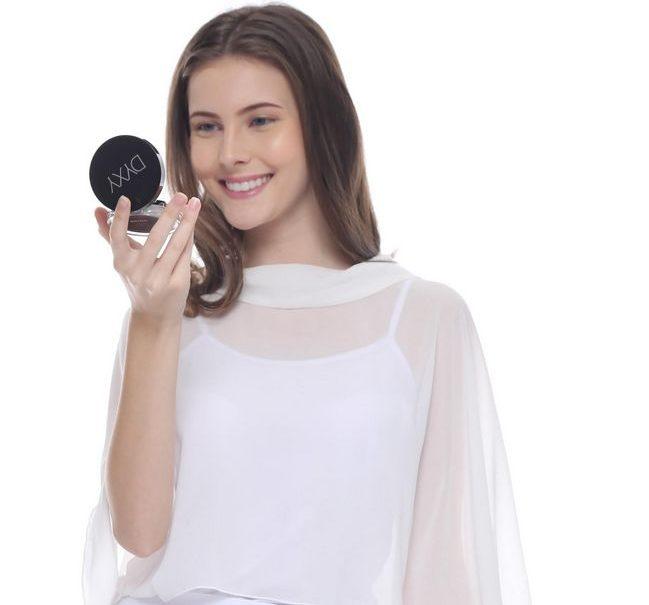 rawatan untuk kulit muka sensitif dengan set mekap berkualiti