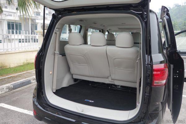 ruang bonet MPV Maxus G10