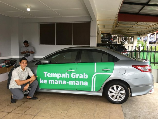 tampal grab car wrap