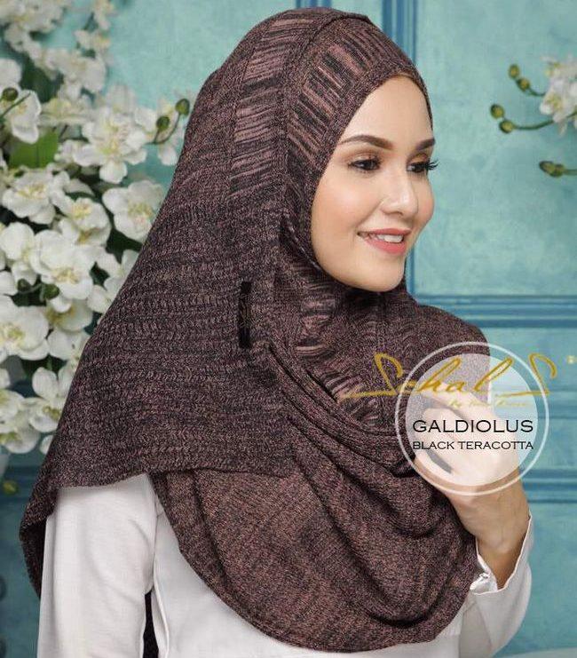 panduan memilih shawl black schals