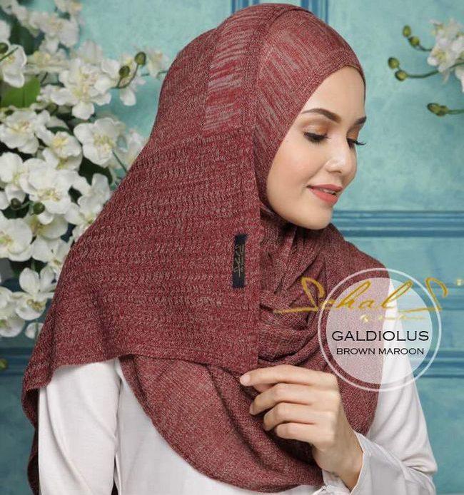 panduan memilih shawl brown maroon