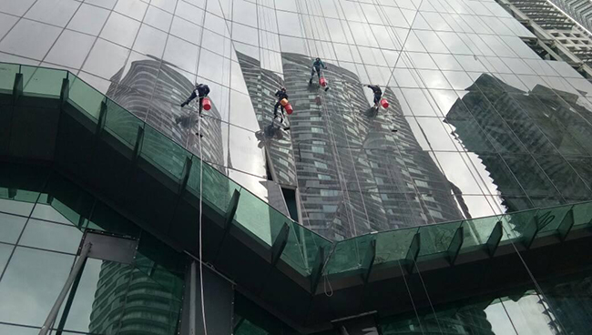 High Rise Windows and External Facade Cleaning Best