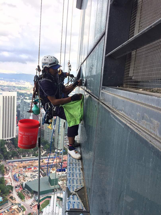High Rise Windows and External Facade Cleaning Trustworthy