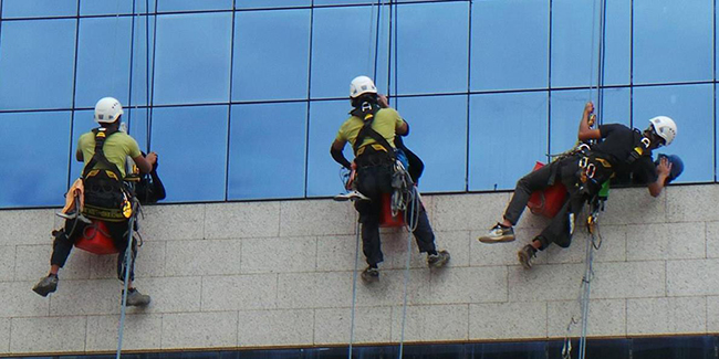 High Rise Windows and External Facade Cleaning Fast