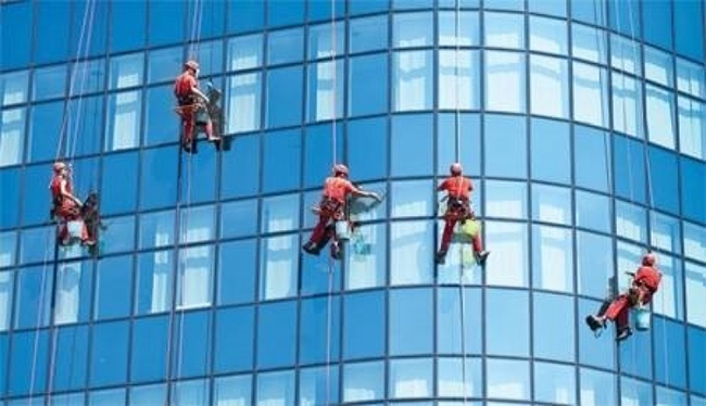 High Rise Windows and External Facade Cleaning Reasonable