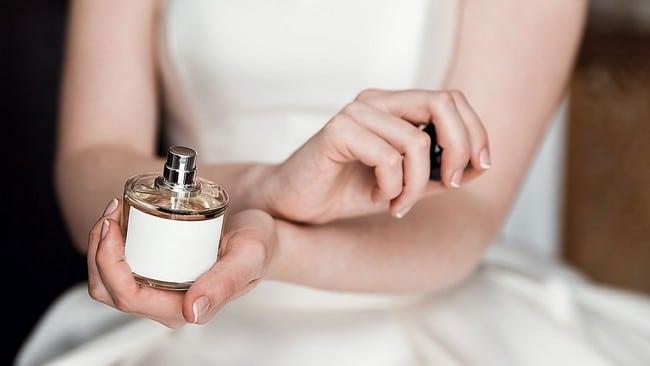perfume yang meningkatkan daya tarikan wanita