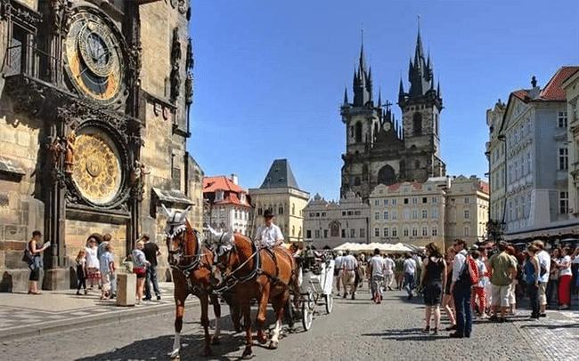 Pakej Pelancongan Balkan Kuda