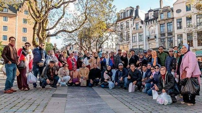 antara pelancong dengan kembara sufi