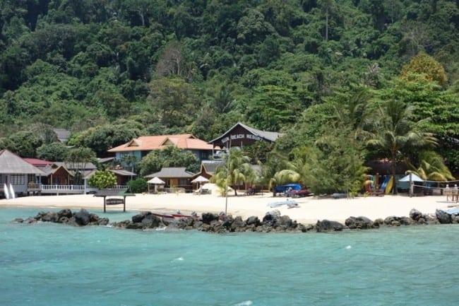 sun beach pulau tioman bercuti