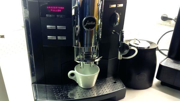pembuat kopi sedap di rumah dan pejabat